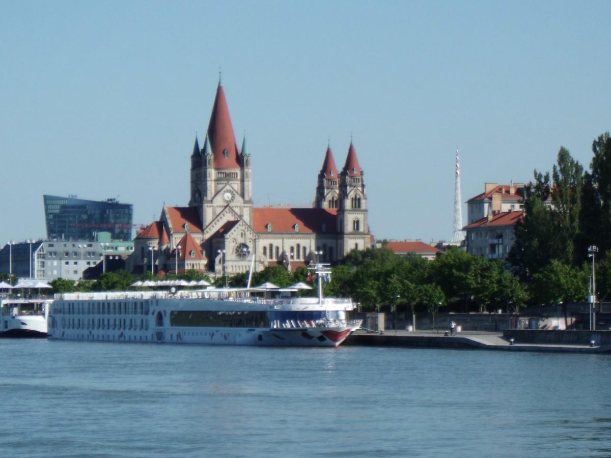 River Cruise Vienna